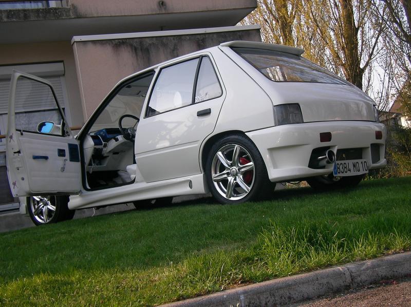 Auto ma 205 5 portes tuning blanche - Peugeot 107 blanche 5 portes ...