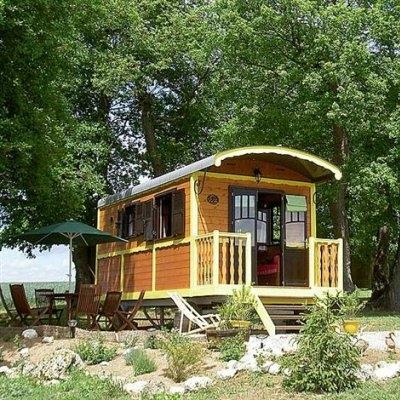 Passions et partage 20 lieux insolites o dormir - Construire une cave naturelle ...