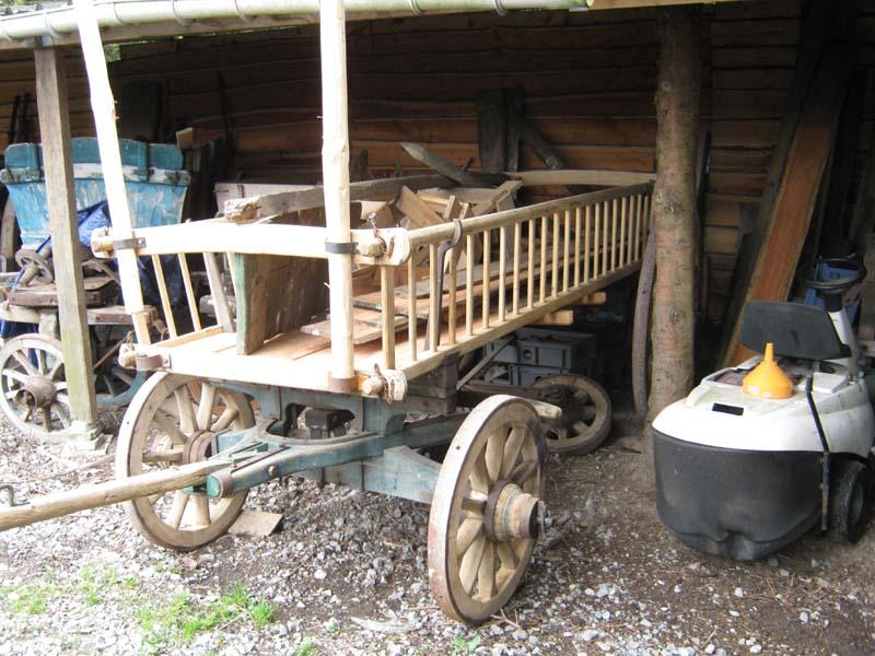 OUTILS ANCIENS  ART POPULAIRE  Assesse , un charron ( roues  ~ Vieux Outils En Bois