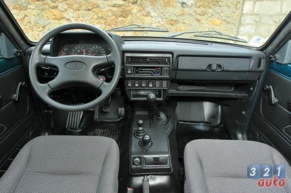 Autopassion la passion de l 39 auto sur un forum essai for Interieur lada niva