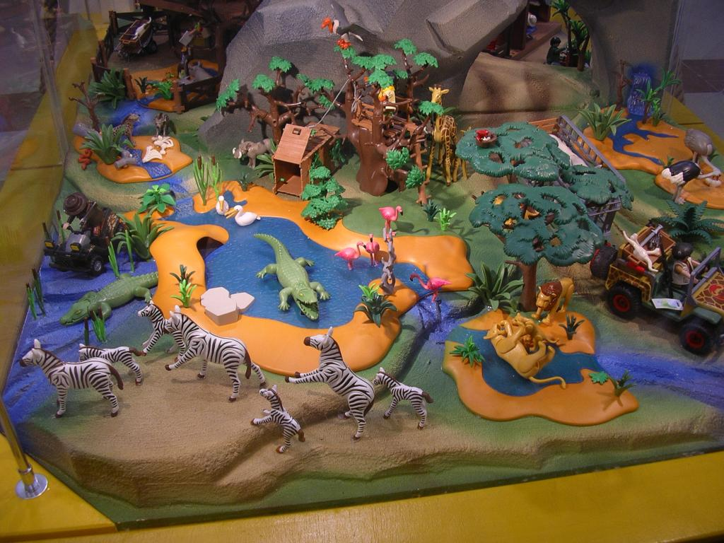 Pin playmobil 4826 la savane monde miniature gar on et fille a on pinterest - Playmobile savane ...
