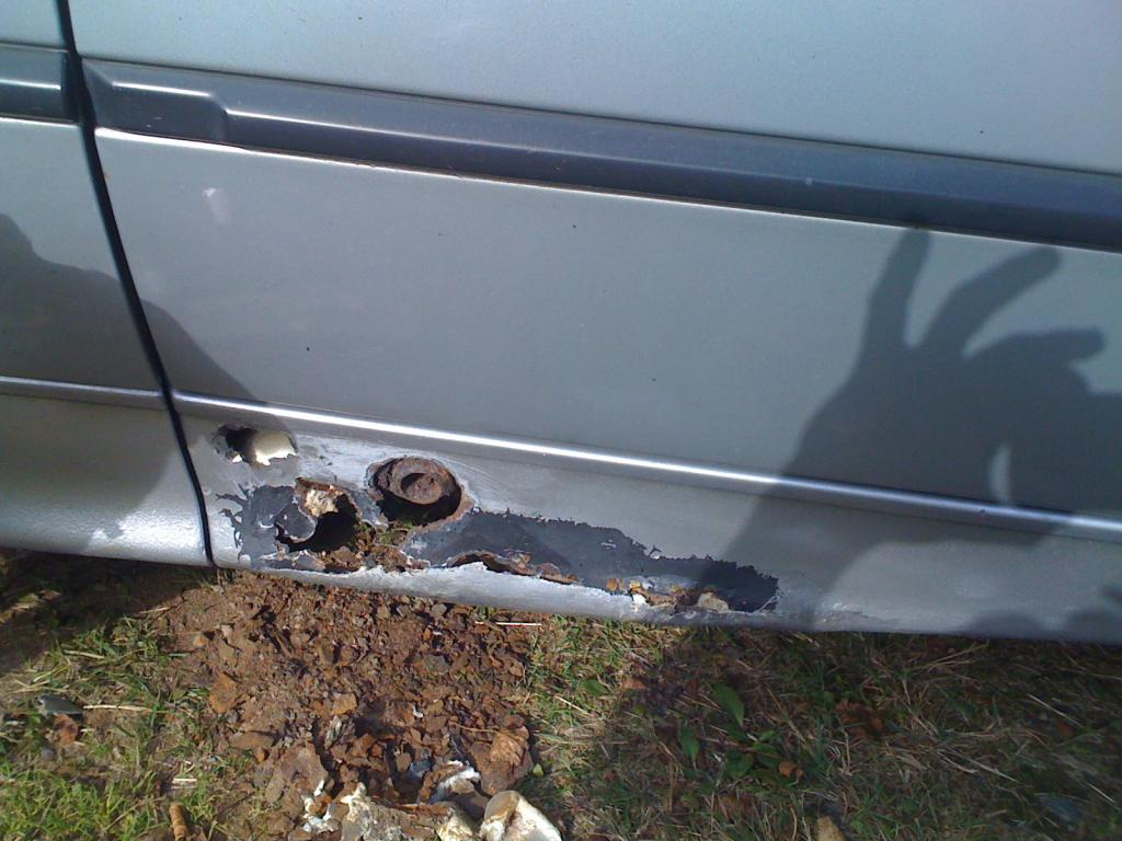 Comment reparer la rouille sur ma voiture - Peindre sur rouille ...