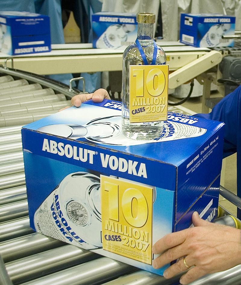 case study absolute vodka Read this business case study and over 88,000 other research documents absolut vodka: absolutely successful case study absolut vodka: absolutely successful q1 what is the foundation of absolut vodka's success is it the vodka, the.