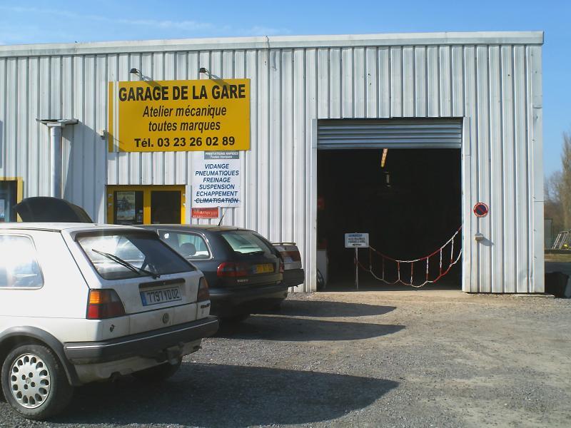 Cars 02 garage de la gare pinon 02 for Garage de la gare pontault