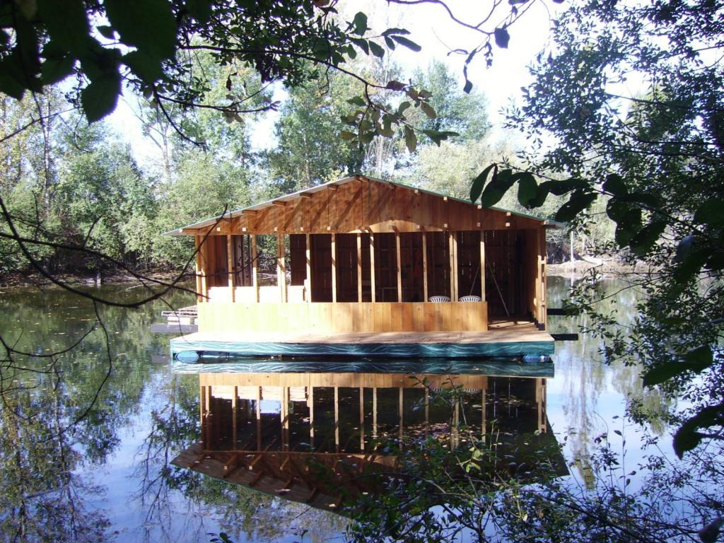 Charmant construire une maison flottante 13 la maison for Construire une maison flottante