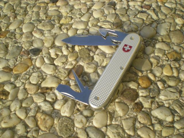 Ma collection Victorinox et wenger. [par Lucke] Dscn6105-31348b2