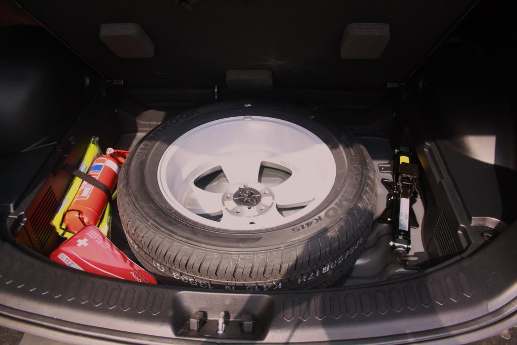 kit roue de secours kit roue de secours ultra group pour audi q5 toutes kit roue de secours. Black Bedroom Furniture Sets. Home Design Ideas