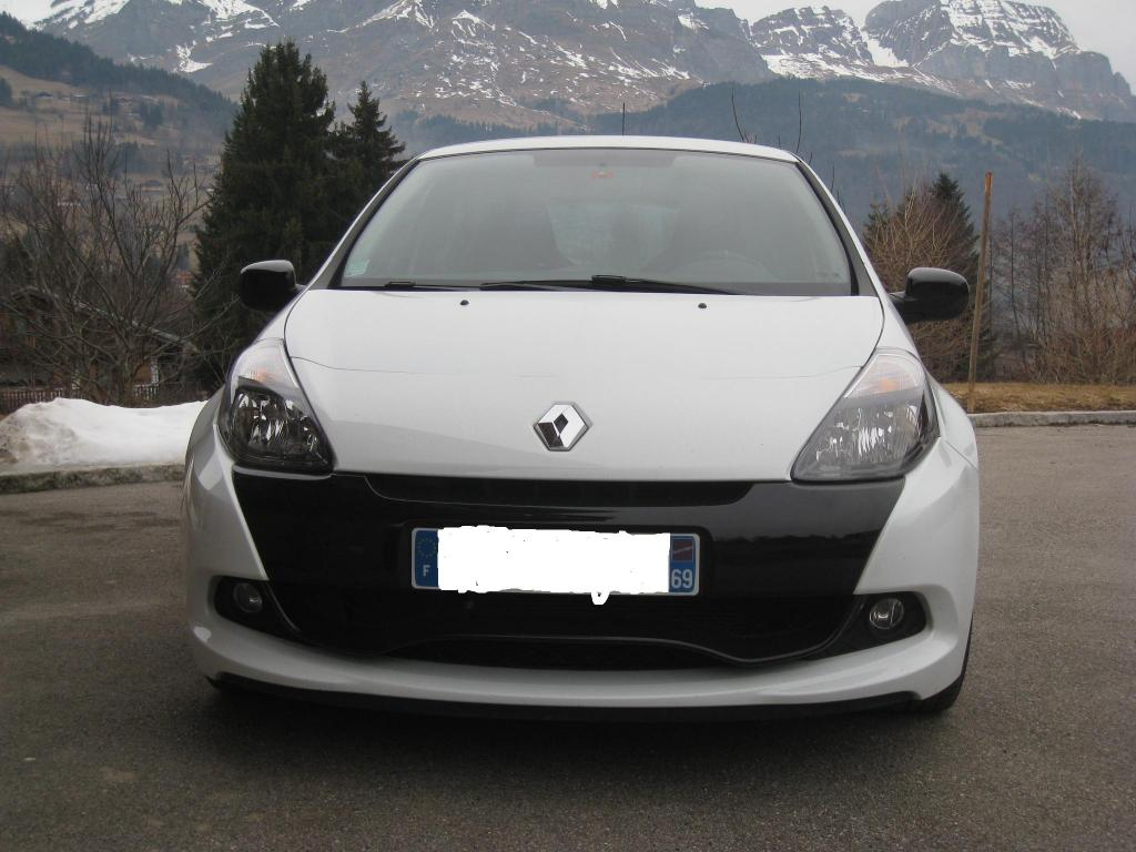 06 clio 3 rs phase 2 blanc glacier clio rs concept. Black Bedroom Furniture Sets. Home Design Ideas