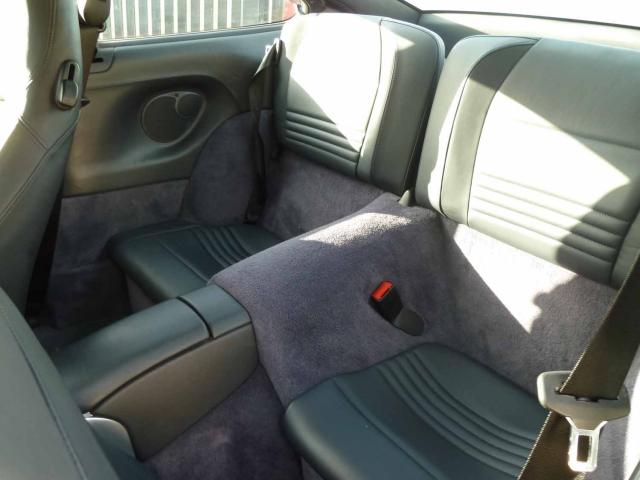 Importer auto et sportive de luxe a quoi ressemble l for Interieur 996