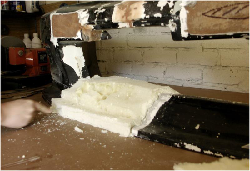 auto r paration d 39 un pare choc en fibre accident. Black Bedroom Furniture Sets. Home Design Ideas