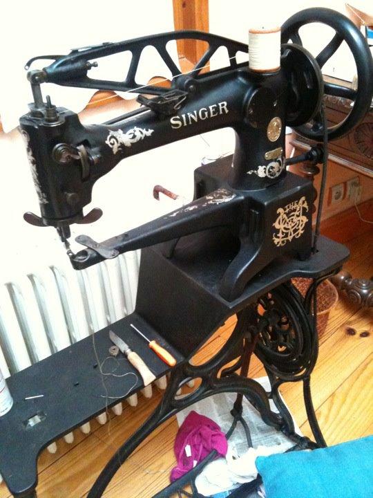 Help probl me de canette sur une singer 29k3 - Probleme machine a coudre singer ...