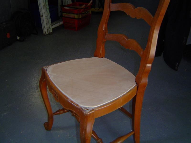 remplacer cannage chaise par tissu meuble de salon contemporain. Black Bedroom Furniture Sets. Home Design Ideas