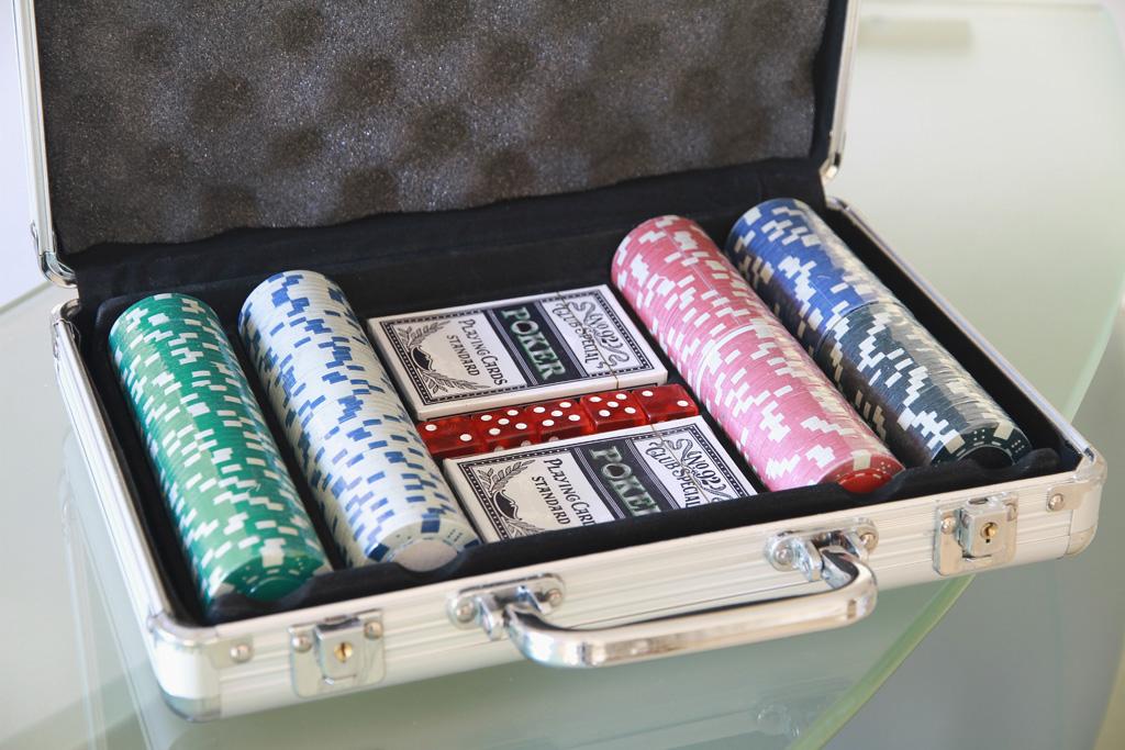 Poker briefcase set