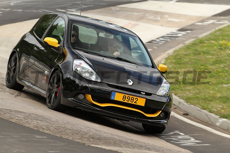 74 rb7 red bull n 95 au revoir ma belle page 2 clio rs concept. Black Bedroom Furniture Sets. Home Design Ideas