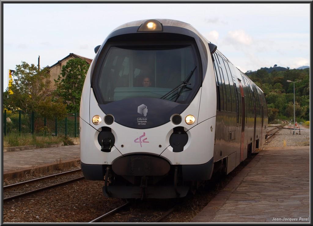 Spot du jour ferroviaire. Nouvelles photos postées le 28 Novembre 2016 Amg-801-3528f71