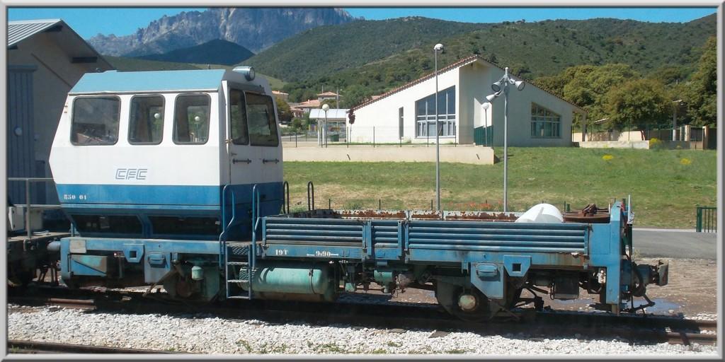 Spot du jour ferroviaire. Nouvelles photos postées le 28 Novembre 2016 Tracteur-850-01-3528eae