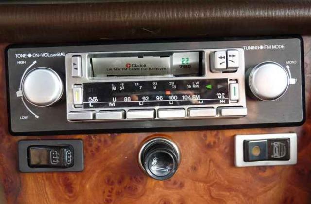 Chez Nissan je monte dans une 370Z - Page 2 1100144726_clarion785-336d3da