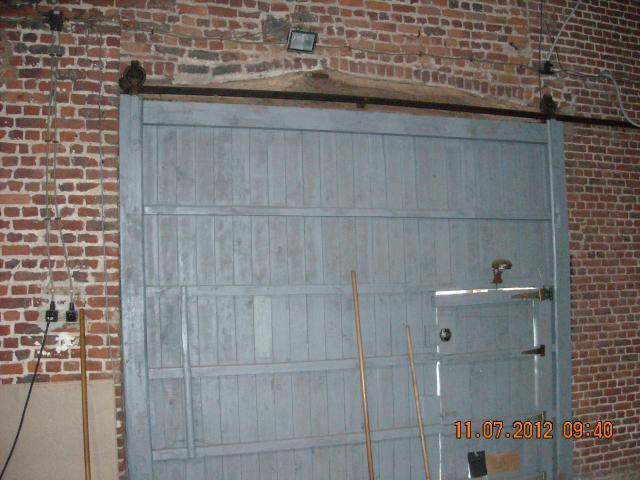 Outils anciens art populaire porte coullisante l 39 ancien - Installer porte coulissante sur ancienne porte ...