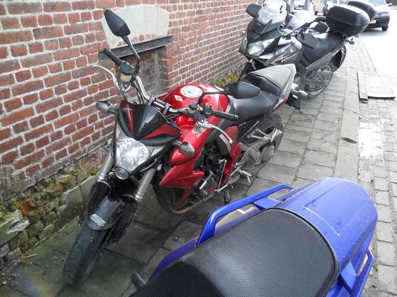 yzf r125 balade moto au profit du t l vie bassilly belgique 2012. Black Bedroom Furniture Sets. Home Design Ideas