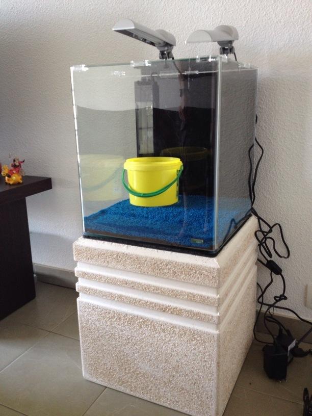 Hors ligne for Meuble pour aquarium