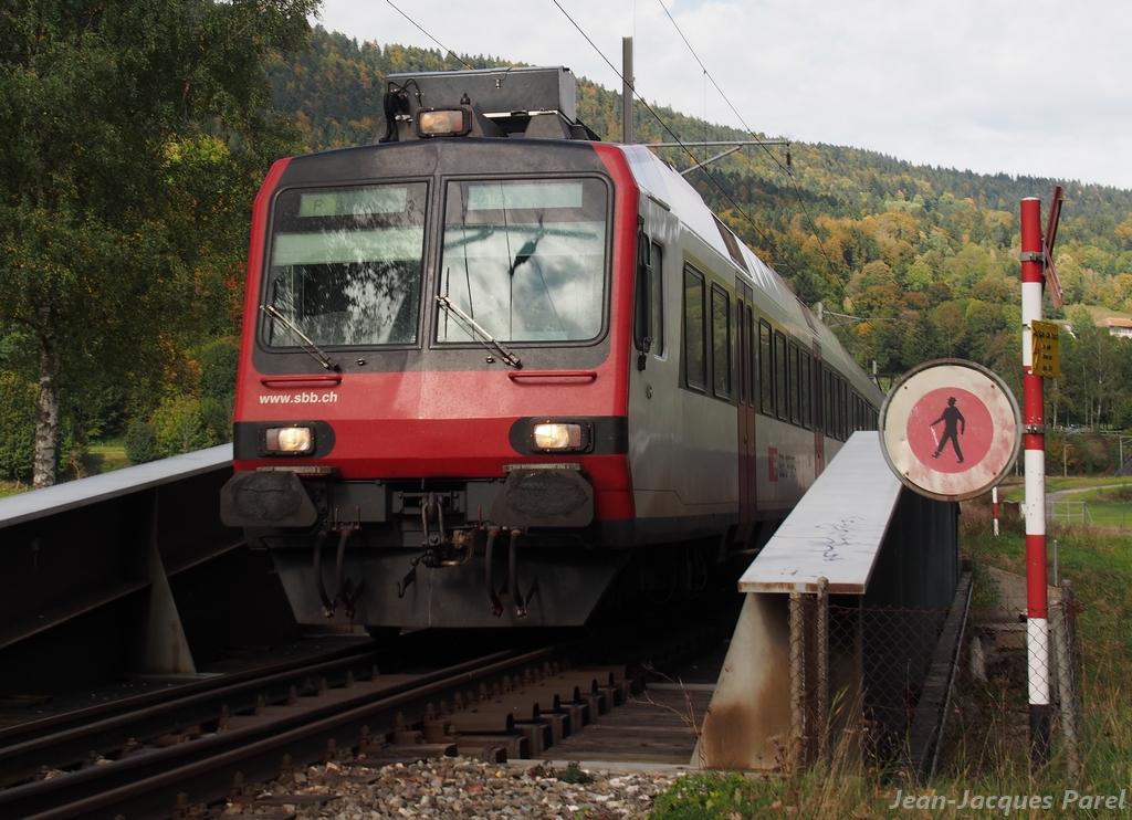 Spot du jour ferroviaire. Nouvelles photos postées le 28 Novembre 2016 Rbde-560-domino-cff_02-38c5d79