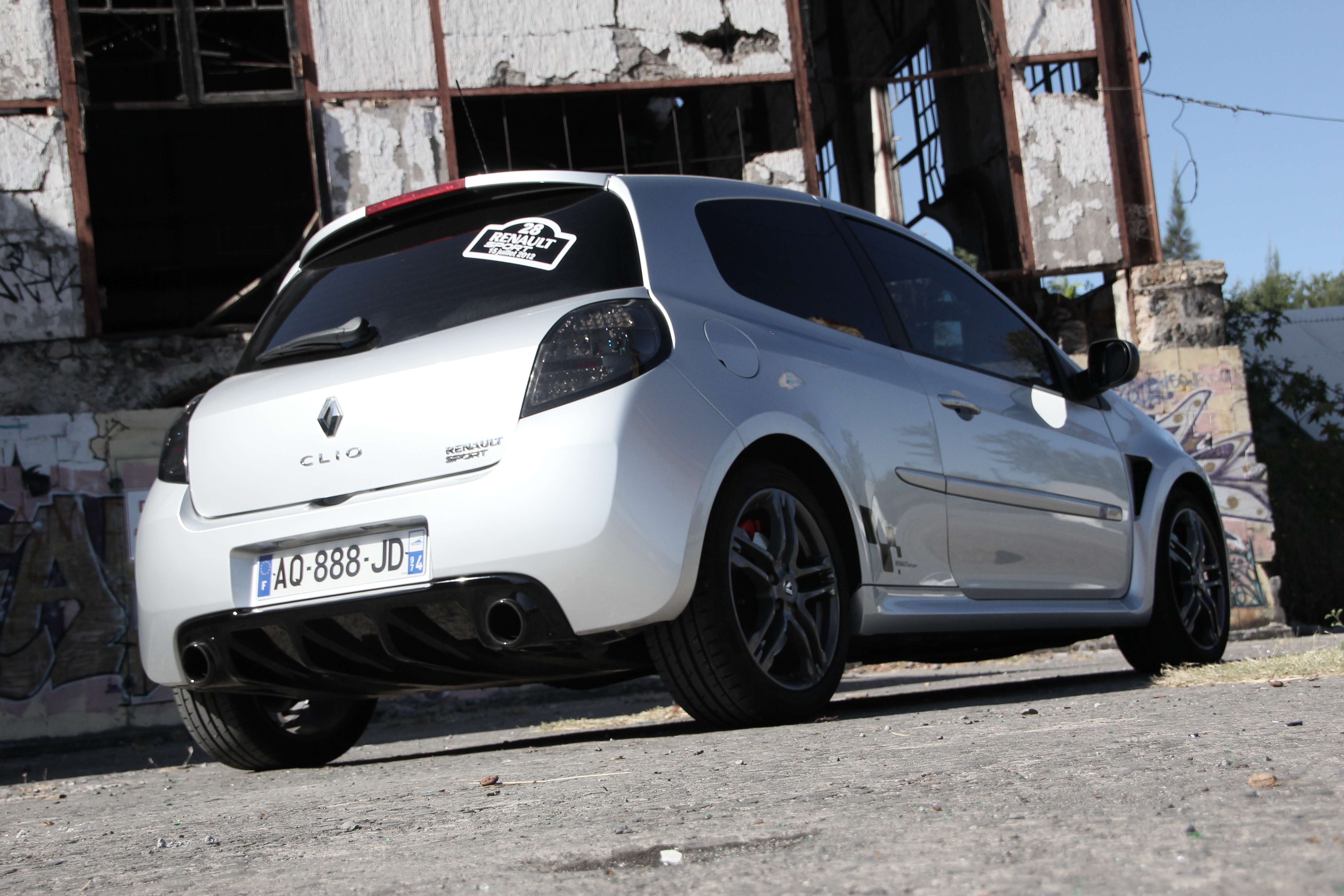 974 clio 3 rs ph 2 trophy akrapovic page 5 clio rs concept. Black Bedroom Furniture Sets. Home Design Ideas