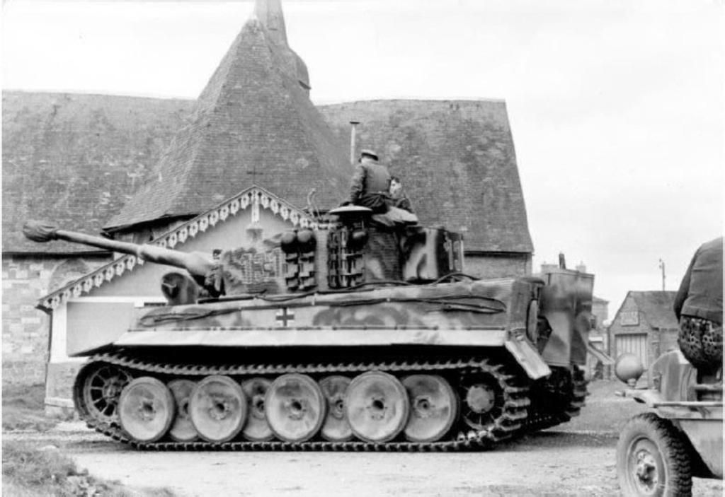 Rc panzer tiger vi ausf e tamiya aber vid o for L interieur du char de vimoutier