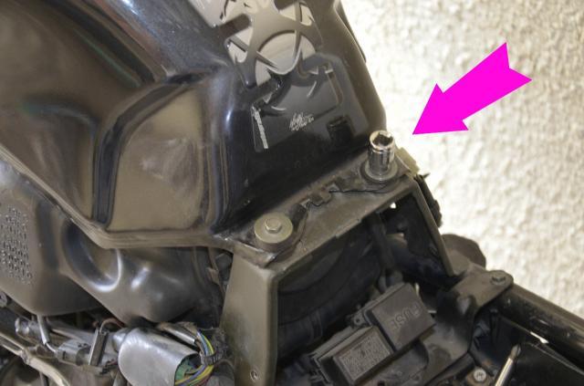 Mpgc tutoriel r paration robinet d 39 essence - Comment enlever de la glue sur les mains ...