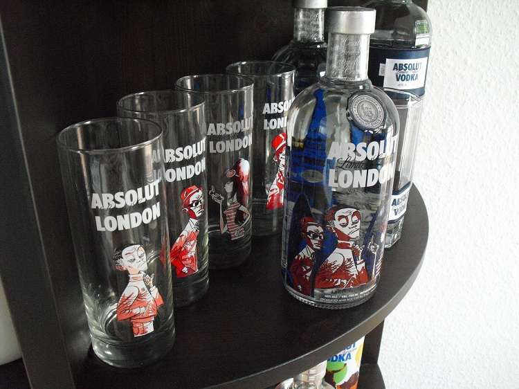 absolut illusion stand