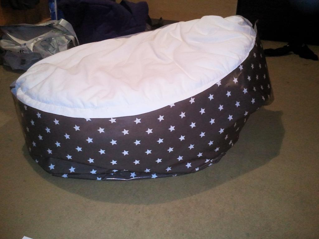 patron pouf doomoo. Black Bedroom Furniture Sets. Home Design Ideas