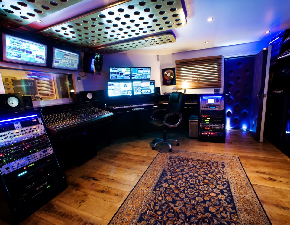 Cubase france monter son studio repet et enregistrement for Chambre 13 film