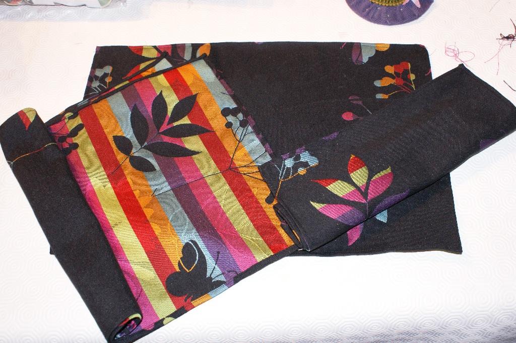 les f es tisseuses sets de table cubes d 39 veil en tissu et lingettes lavables. Black Bedroom Furniture Sets. Home Design Ideas