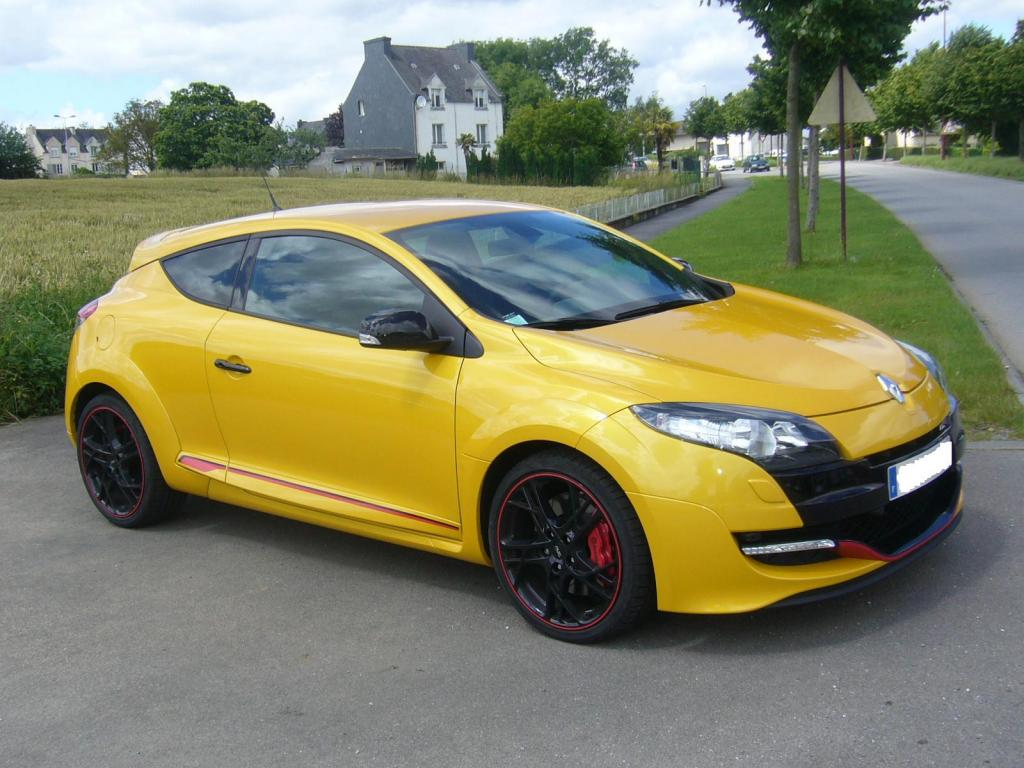 megane 3 rs jaune sirius 2012 clio rs concept. Black Bedroom Furniture Sets. Home Design Ideas