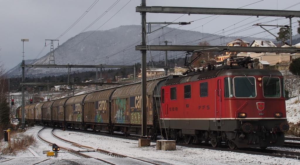 Spot du jour ferroviaire. Nouvelles photos postées le 28 Novembre 2016 Re-44-iii-11357-cff_02-3bbaeec