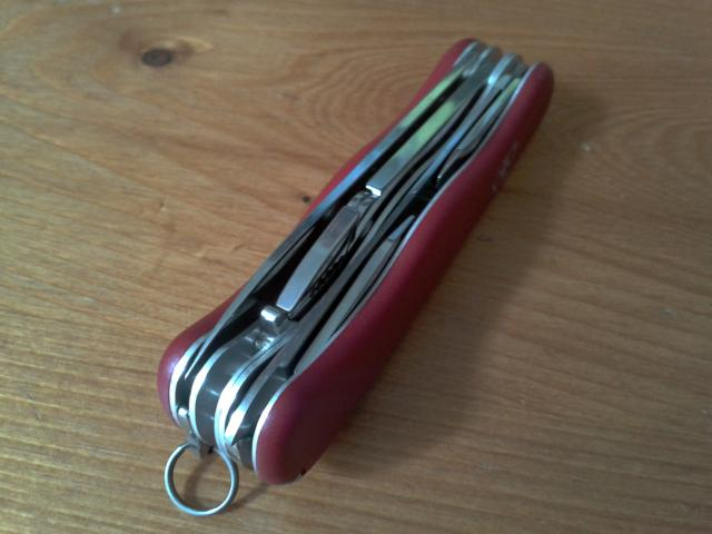 Ma collection Victorinox et wenger. [par Lucke] 2013-06-14-11.15.29-3eed453
