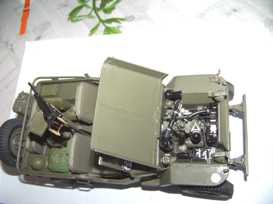 Jeep Danbury 1/16e, motorisée Sumo + remorque Bantam 1/4 t 100_2830-42eea66