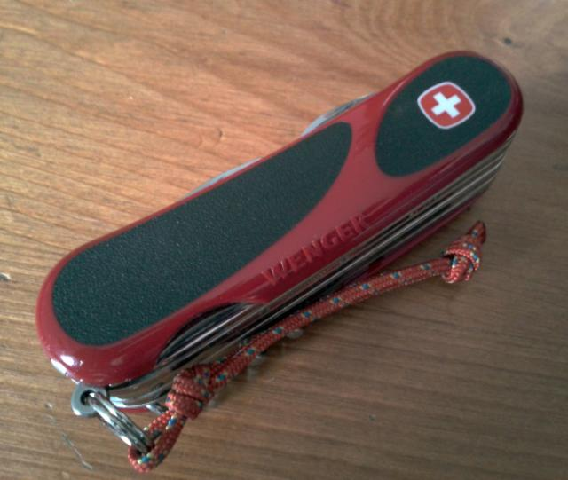 Ma collection Victorinox et wenger. [par Lucke] 2013-06-007-3eb846f