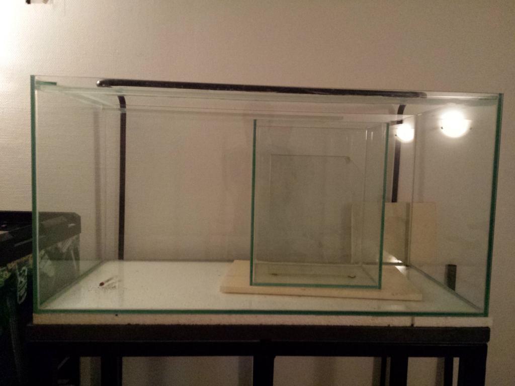 aquario philrecifal aquarium neuf 400l meuble m tal potence cuve 56l. Black Bedroom Furniture Sets. Home Design Ideas