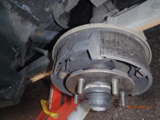 Des freins a tambours, c'est simple. P9110003-40d0b6e