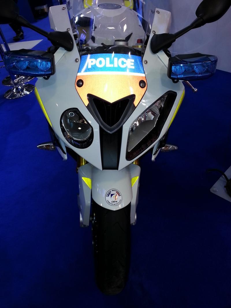 Est-ce possible, une Bmw S1000RR de la Police Française ?!