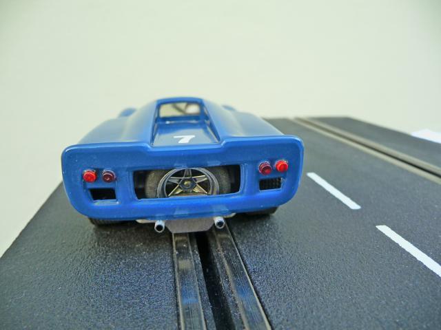 LOLA T70 au 1/32 et chassis COX P1080729-1--40e52be