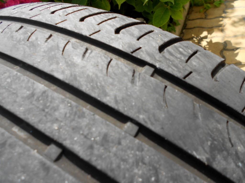 Forum du kia sportage iii et iv tuto changement for Usure interieur pneu avant
