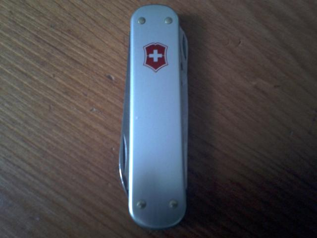 Ma collection Victorinox et wenger. [par Lucke] 2013-06-06-20.06.33-3ebe901