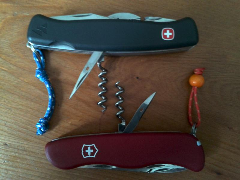 Comparatif Wenger Everest VS Victorinox Atlas 2013-06-14-13.33.58-3ef00c7