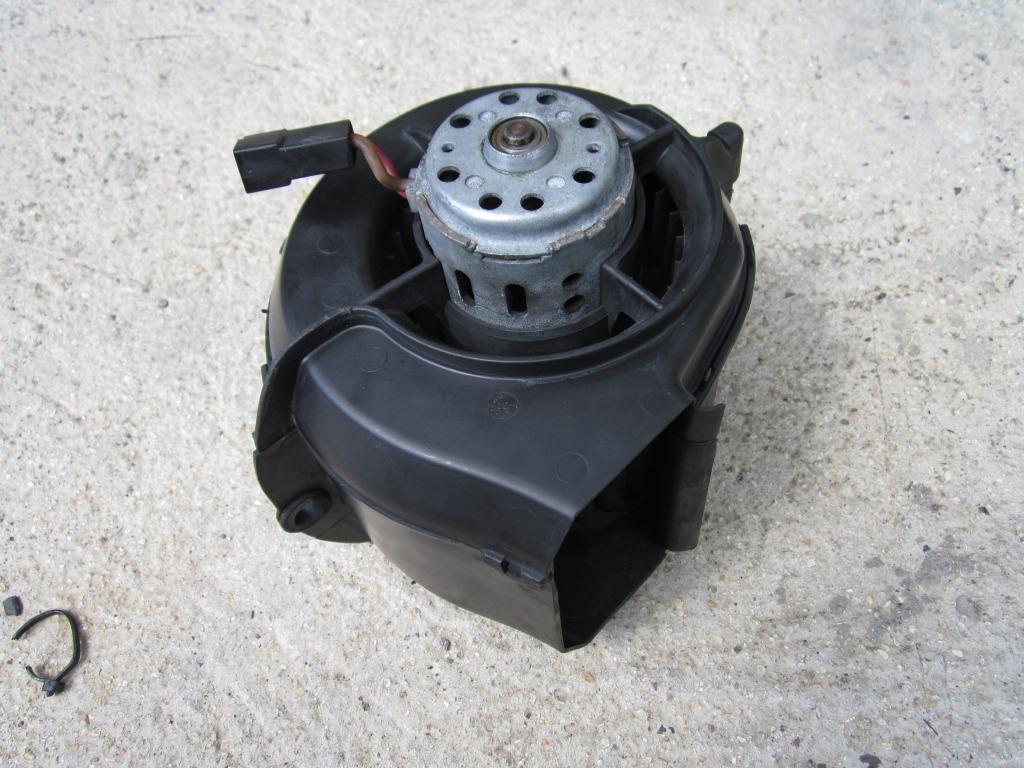 tuto moteur de ventilation radiateur chauffage forum du club 924 944 968. Black Bedroom Furniture Sets. Home Design Ideas