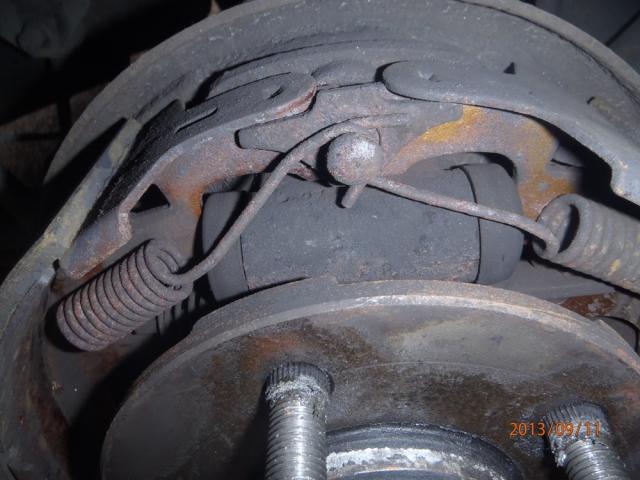 Des freins a tambours, c'est simple. P9110009-40d0b46