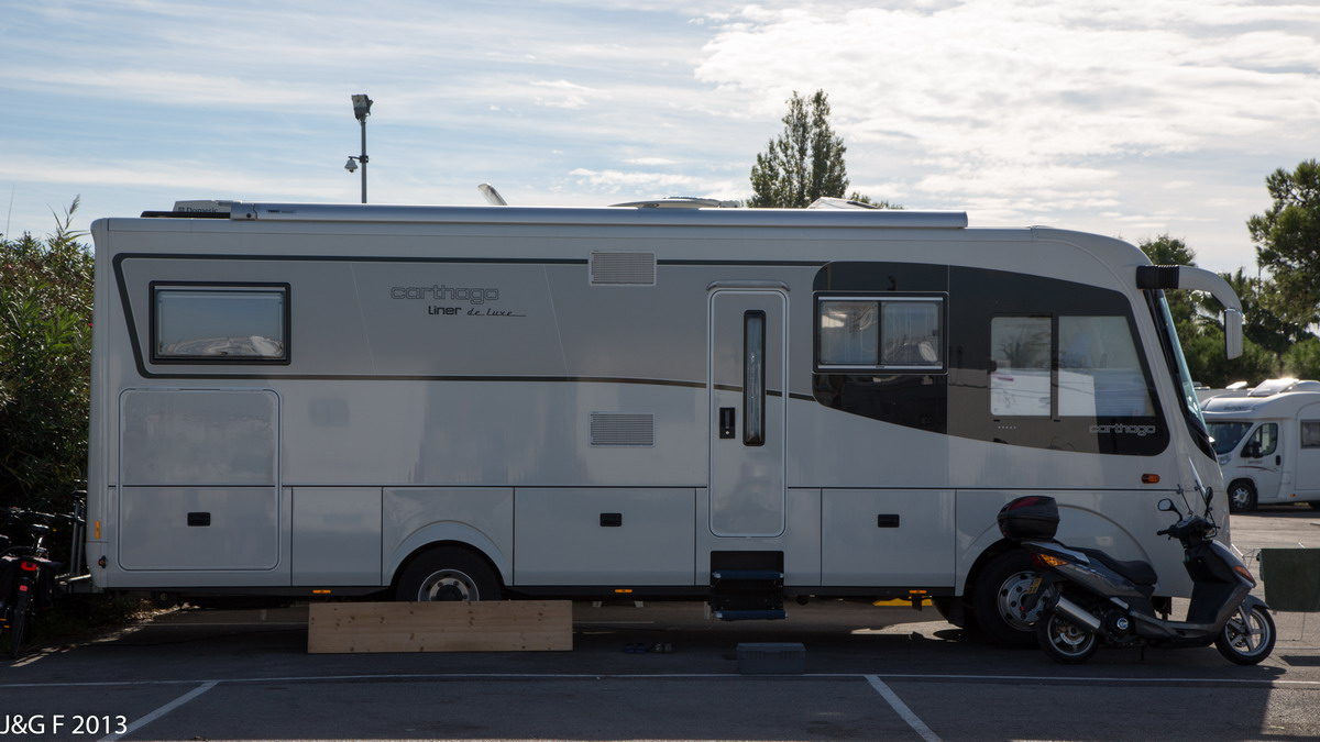 forum camping car par marque mod les 2014 carthago. Black Bedroom Furniture Sets. Home Design Ideas