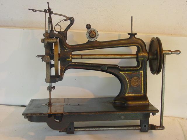 outils anciens art populaire machine coudre vue au vm