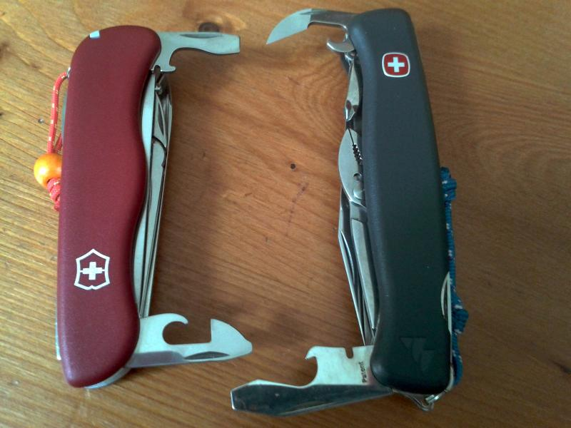 Comparatif Wenger Everest VS Victorinox Atlas 2013-06-14-13.29.42-3ef00b9