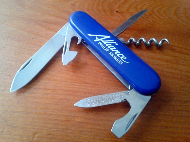 Ma collection Victorinox et wenger. [par Lucke] 2013-07-30-10.34.38-3fe887e